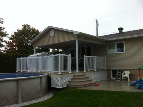 Petit toit et patio